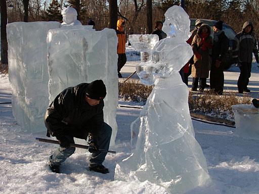 Как сделать скульптуру с льда