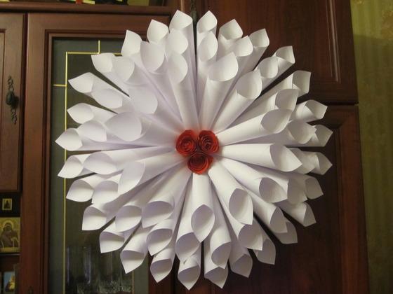 Как сделать цветок из кульков 61