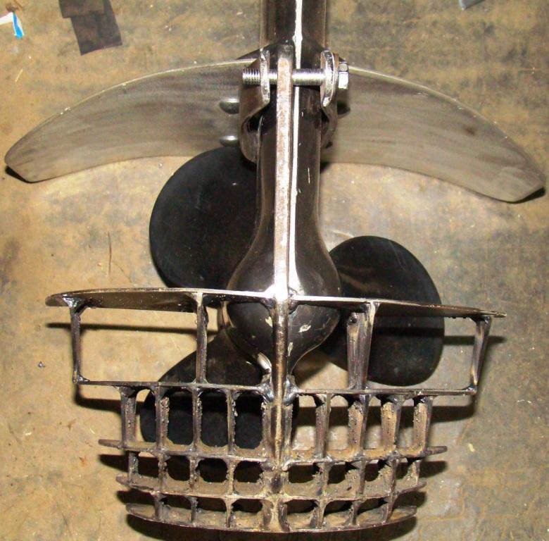 защита гребного винта на подвесном моторе